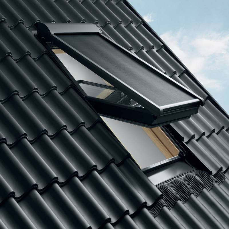 Velux awning blind mhlck025060 for Velux solar powered blinds