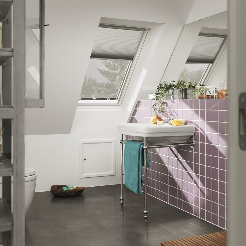 Velux centre pivot polyurethane roof window white finish for How to clean velux skylights