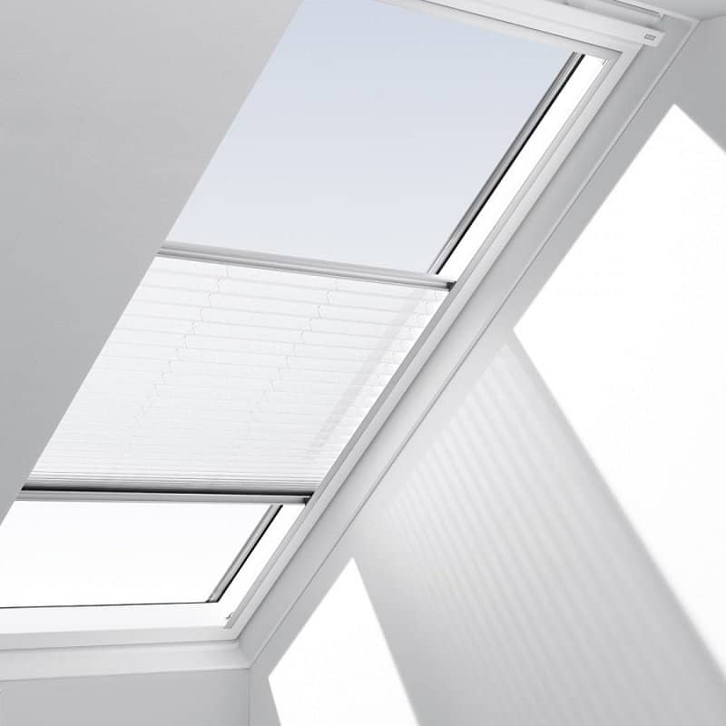 Velux flying pleated blinds fhlck021016 for Velux window shades